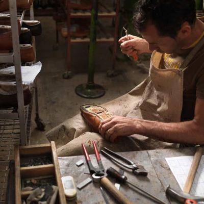 master-en-elaboracion-artesanal-de-zapatos-y-bolsos-master-en-reparacion-de-articulos-de-marroquineria